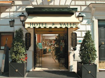 hotel-valle-rome-common-areas-01