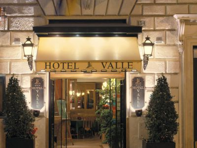 hotel-valle-rome-common-areas-02
