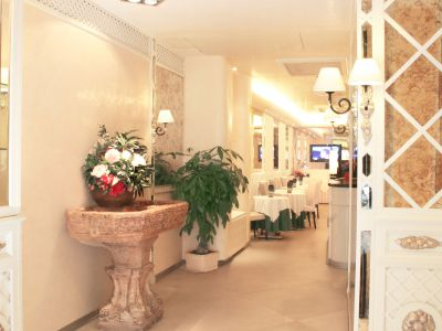 hotel-valle-rome-common-areas-08