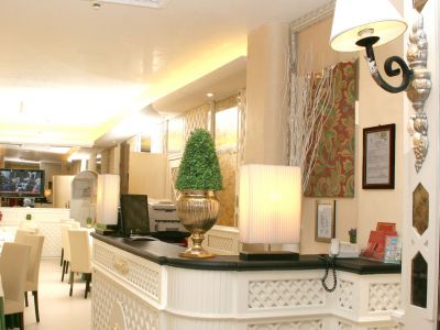 hotel-valle-rome-common-areas-10