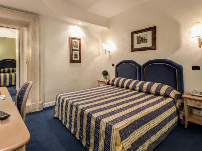 hotel-valle-rome-rooms-12