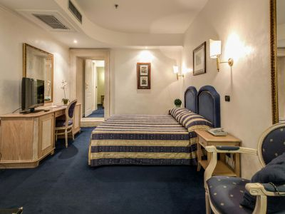 hotel-valle-rome-rooms-13