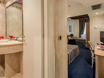 hotel-valle-rome-rooms-14