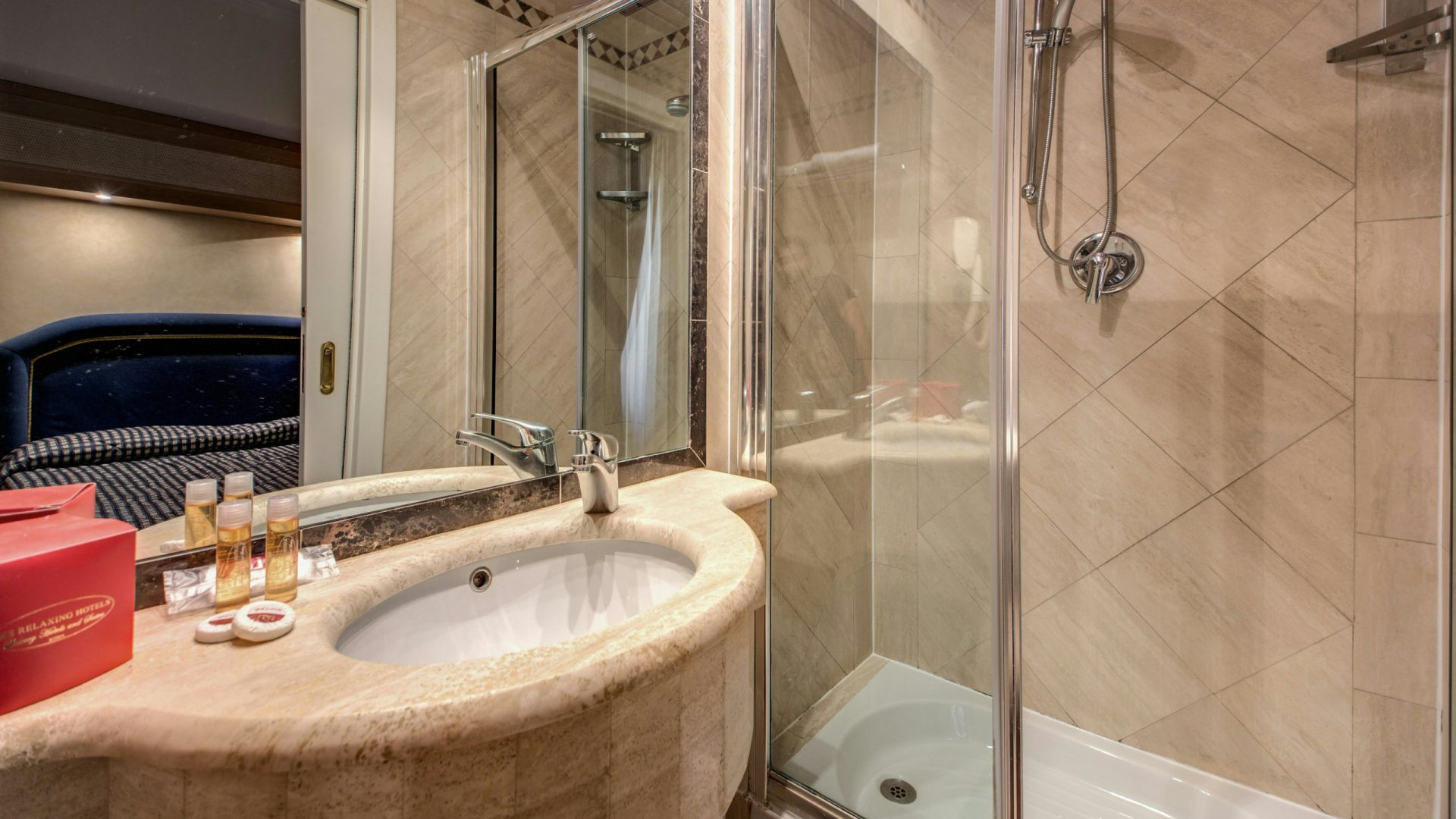 hotel-valle-rome-rooms-17